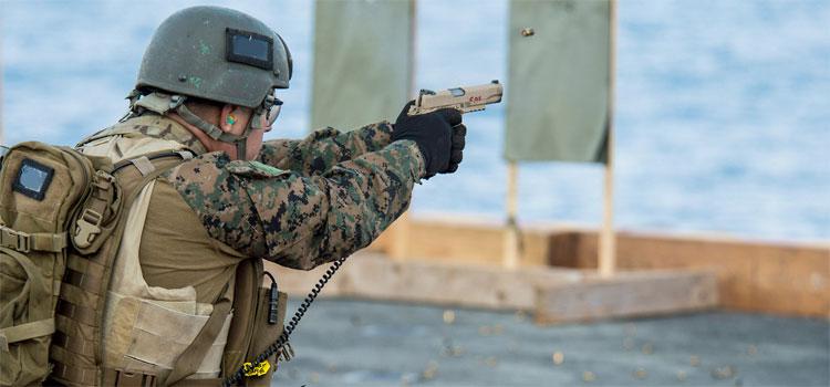 pistols-military